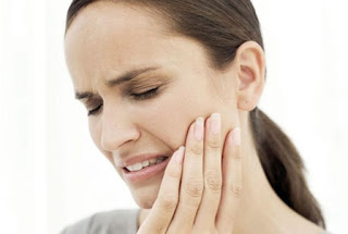 Painful mouth corners and oral hygiene